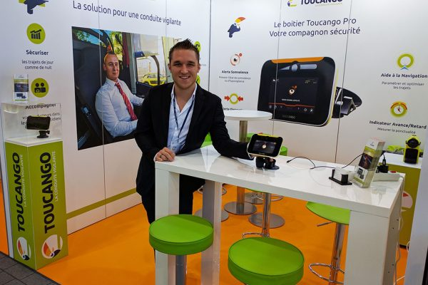 Christophe Bour, commercial junior pour Innov+, au salon AutoCarExpo 2016.